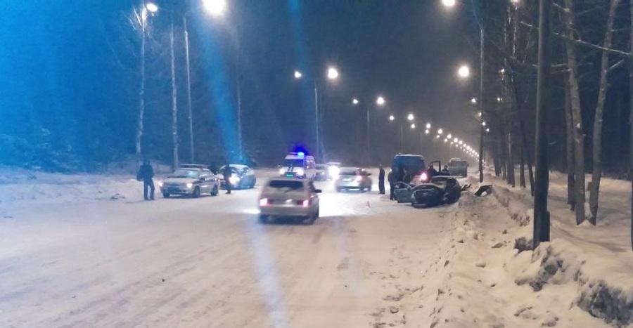 В Перми в столкновении автомобилей погибли два человека - фото 1