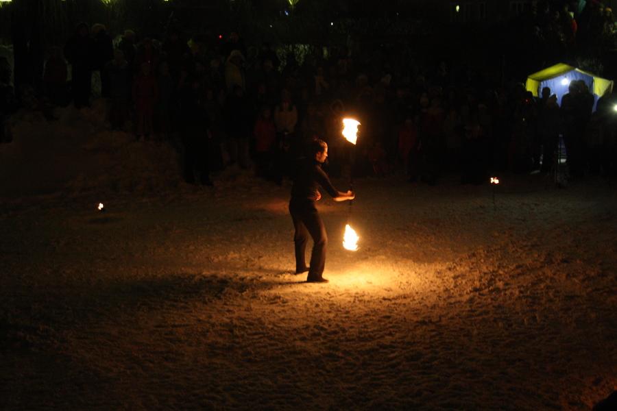 В Перми выступили артисты огненного жанра