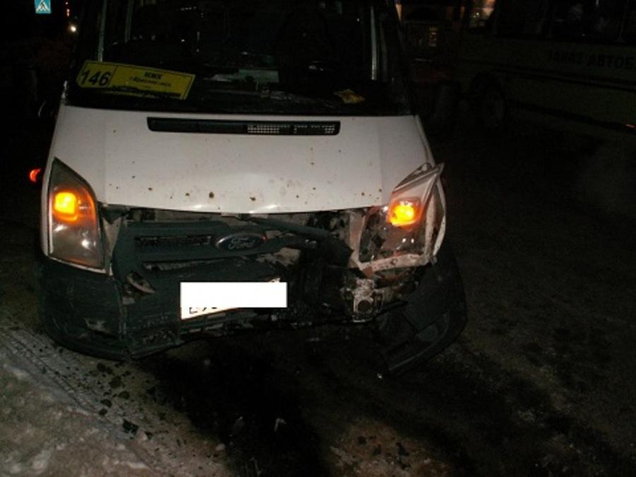 В Краснокамске в столкновении автомобилей пострадали 4 пассажира автобуса