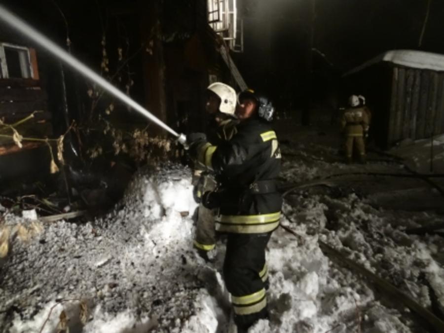 В Перми сгорел 12-квартирный дом