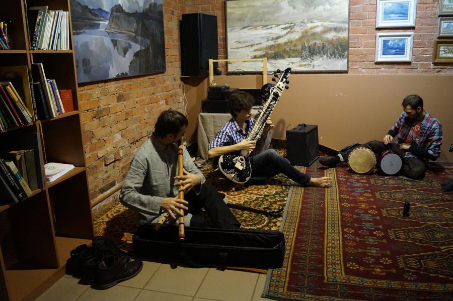 В пермском  кафе «Злаки» звучала живая музыка