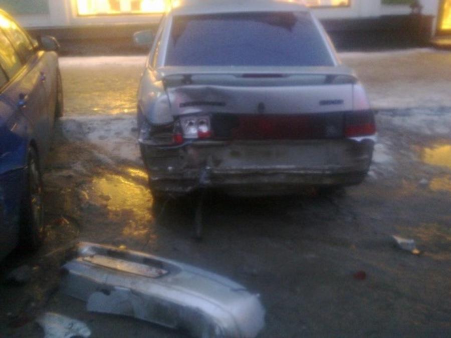 Полицейские установили водителя, подбившего 4 автомобиля в центре Перми - фото 1