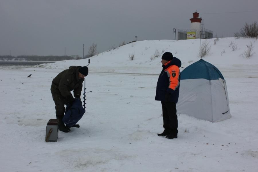 МЧС: рыбачить у плотины Камской ГЭС опасно - фото 1