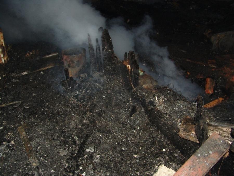 В Пермском районе в горящем доме погибли молодая женщина и мальчик - фото 5