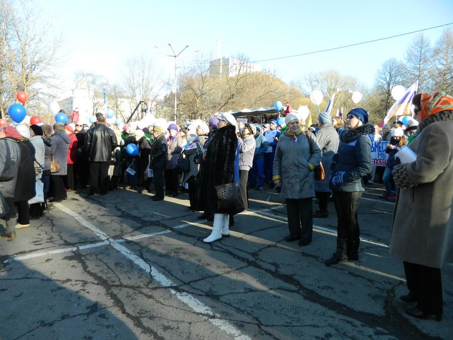 В Перми прошёл митинг в честь присоединения Крыма - фото 11