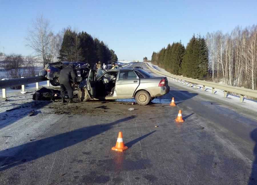 На трассе Кунгур — Соликамск погибли три человека - фото 1