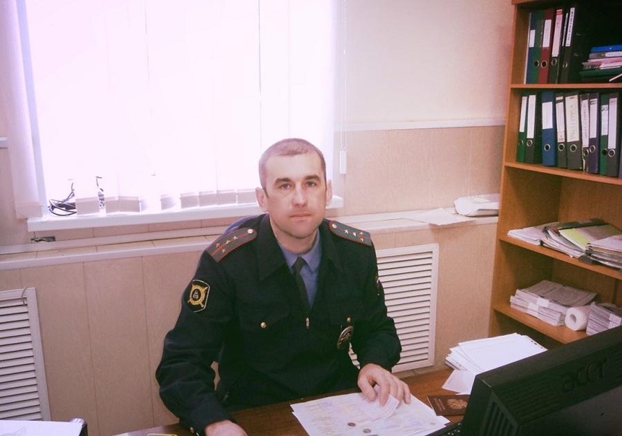 В Пермском крае капитан полиции спас женщину от стаи собак - фото 1