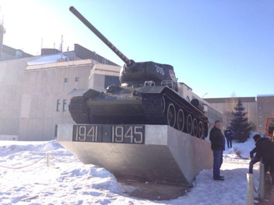 В Пермь отгрузили танк для участия в параде Победы