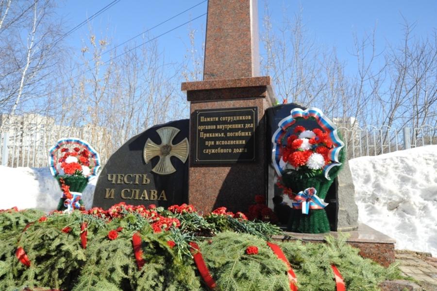 В Пермском крае почтили память погибших милиционеров - фото 2