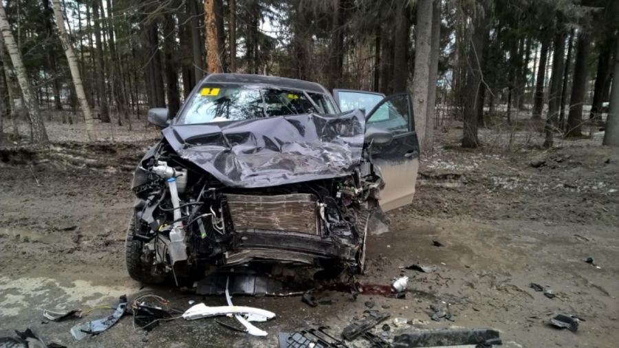 В Перми в столкновении автомобилей погибли два человека, один ранен