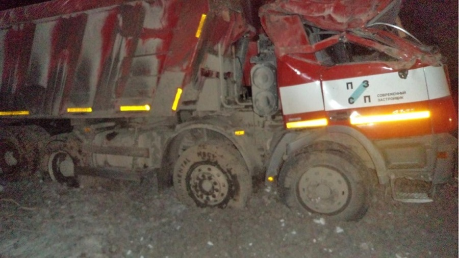 В Пермском крае в перевернувшемся самосвале Мерседес погиб водитель