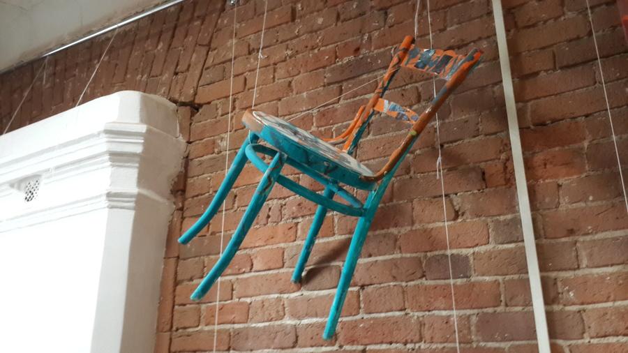 В Перми открылась выставка «12 стульев»