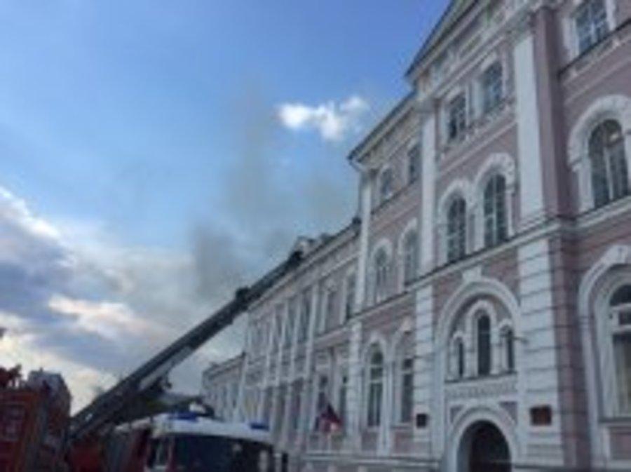 Из горящего здания Пермской академии культуры эвакуированы 220 человек