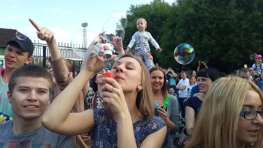 В Перми надули миллион мыльных пузырей