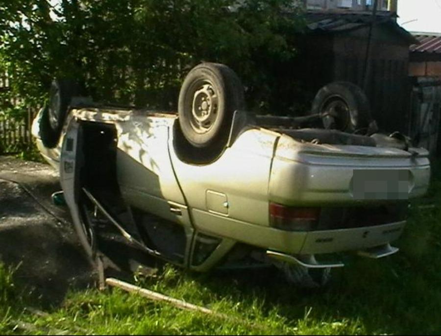 В Горнозаводске в перевернувшейся «десятке» погиб водитель