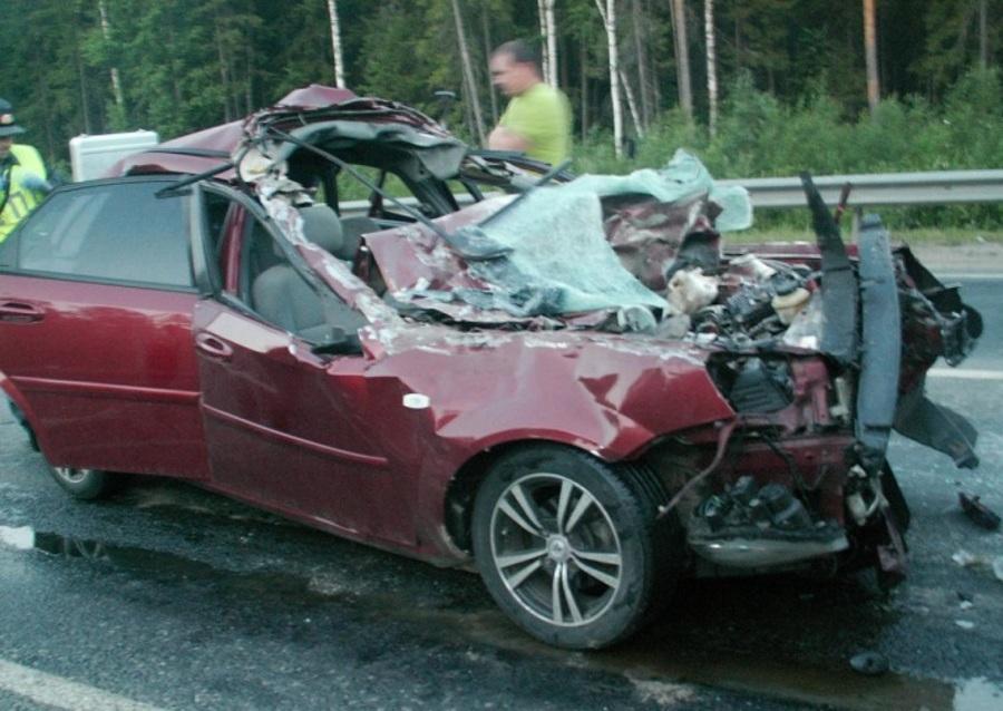 В Краснокамском районе в столкновении с КАМАЗом погиб водитель Шевроле Лачетти