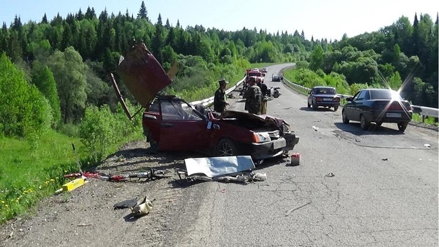 В Октябрьском районе в ДТП погибли три человека, двое травмированы