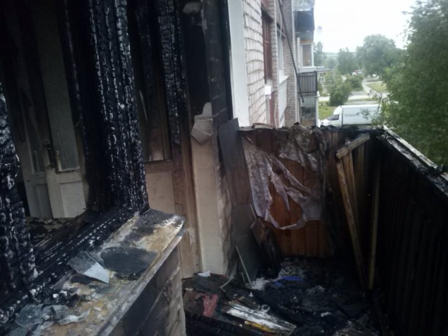 В Перми загорелись балконы пятиэтажки - фото 1