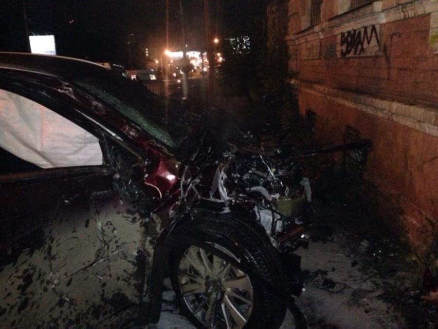 В центре Перми в столкновении Тойоты с автобусом тяжело ранены четыре человека