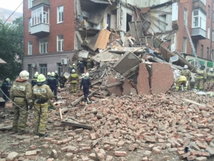При обрушении дома в Перми пострадали три человека, 55 жильцов эвакуированы