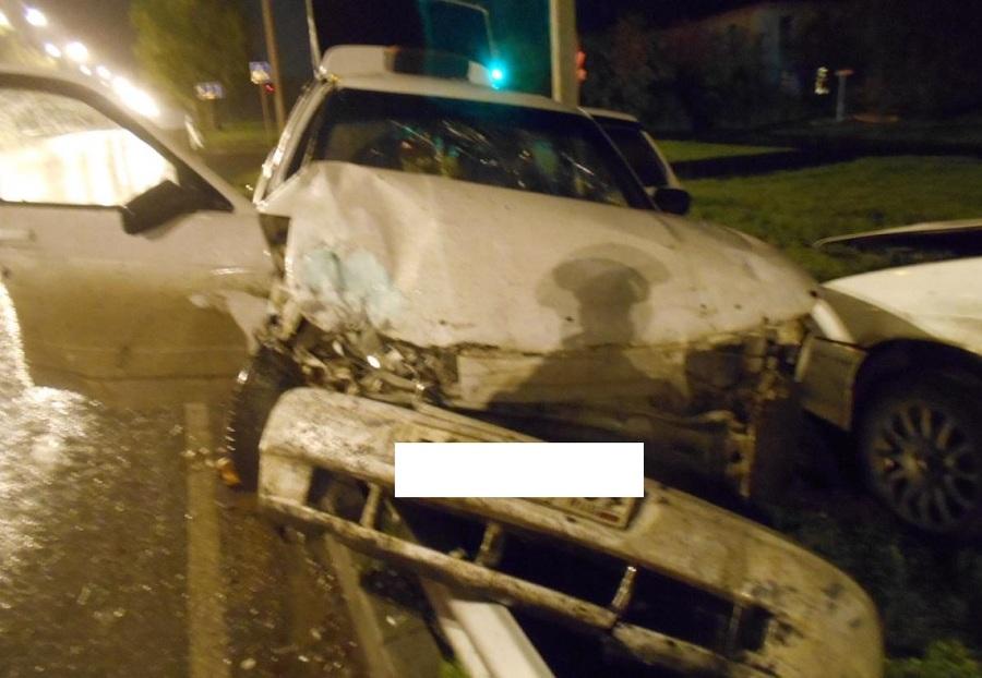 В Березниках пьяный водитель без прав совершил ДТП - фото 1