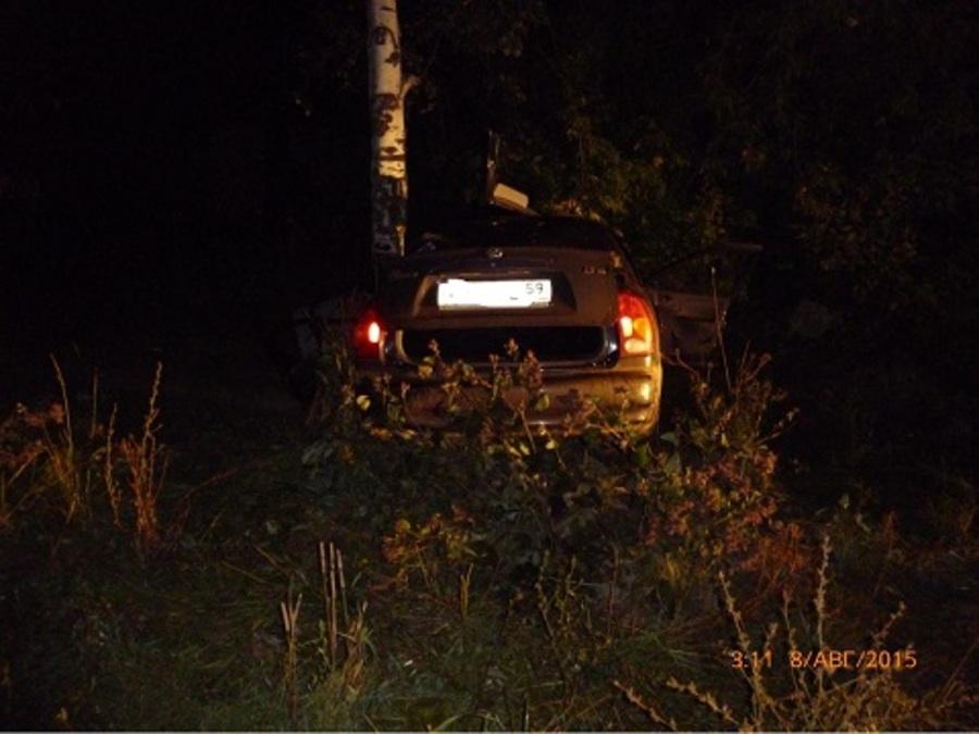 В Куединском районе при ударе автомобиля о дерево скончался пассажир