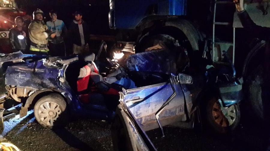 На трассе Пермь — Екатеринбург погиб водитель ВАЗа