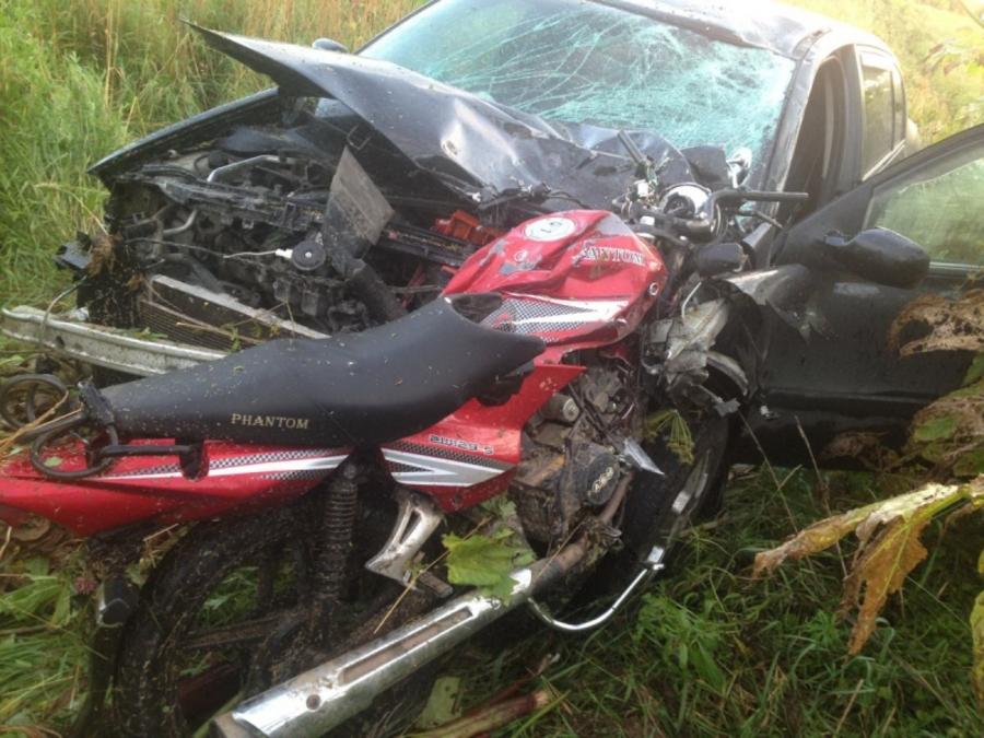 В Пермском крае в столкновении с Рено Меган погибли мотоциклист и его пассажир - фото 1