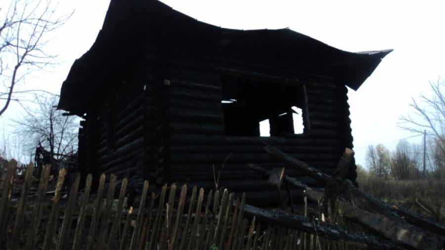 В Пермском крае в сгоревшем доме обнаружены останки 8 человек