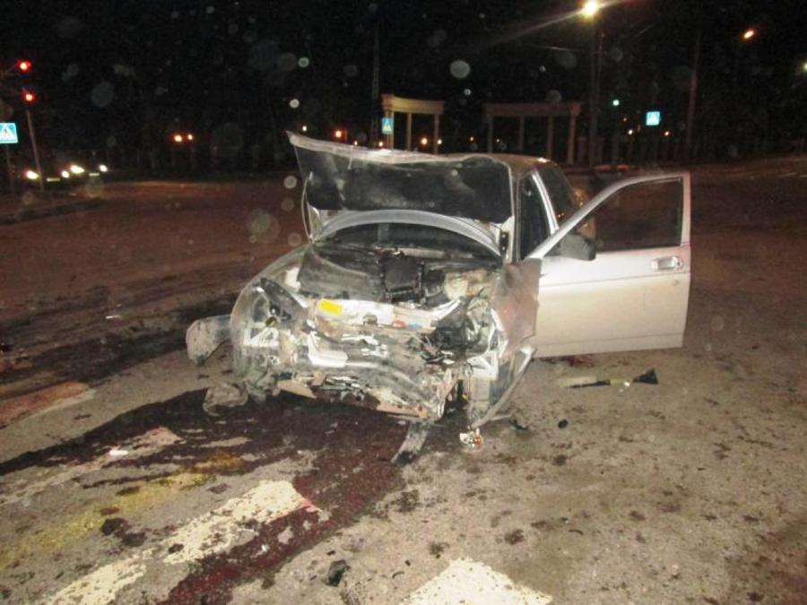 В Березниках водитель Приоры подбил ВАЗ и попал в больницу