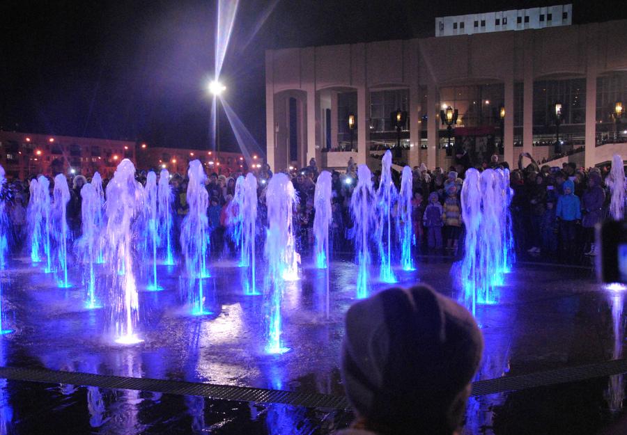 На эспланаде прозвучала последняя песня Пермского фонтана - фото 1
