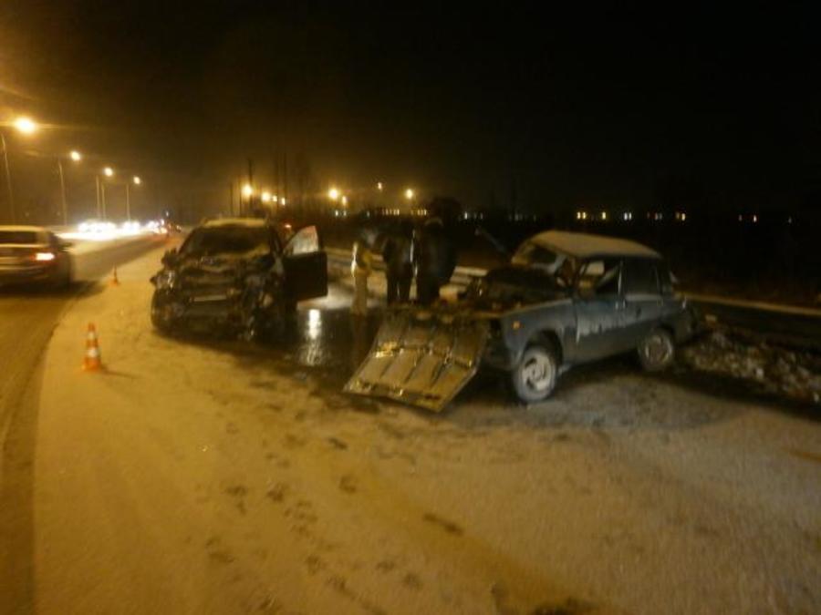 В Перми в столкновении автомобилей травмированы двое взрослых и девочка - фото 1