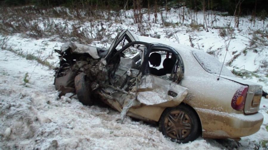 В Пермском крае в столкновении с бензовозом погиб водитель Шевроле Ланос - фото 1