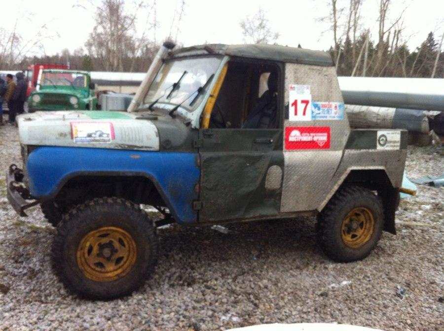 В Перми на гонке внедорожников не хватало грязи - фото 1