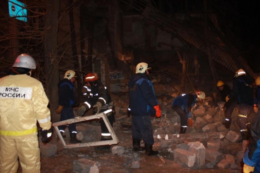 В Перми при обрушении дома погибших нет - фото 2