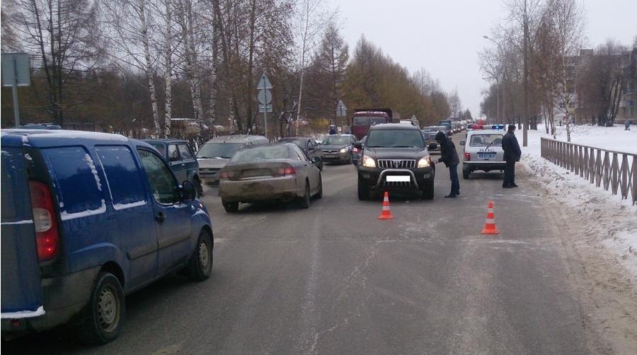 В Перми два школьника попали под Ландкрузер