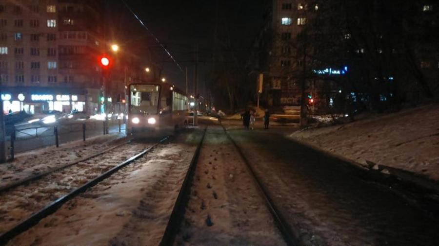 В центре Перми под трамвай попал 10-летний мальчик - фото 1