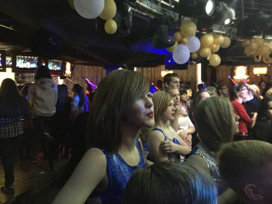 Школьники Перми станцевали новогоднюю сказку - фото 8