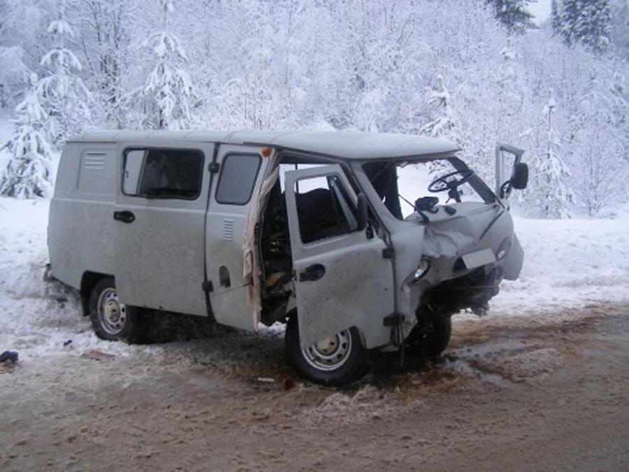 В Октябрьском районе в ДТП шесть человек получили тяжелые травмы - фото 1