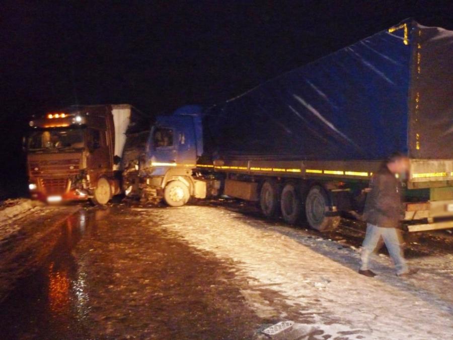 На трассе Подъезд к Перми произошло ДТП с участием пяти автомобилей