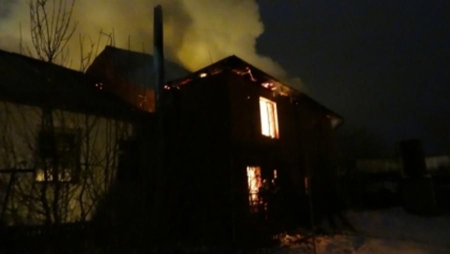 В Перми сегодня ночью сгорел жилой дом