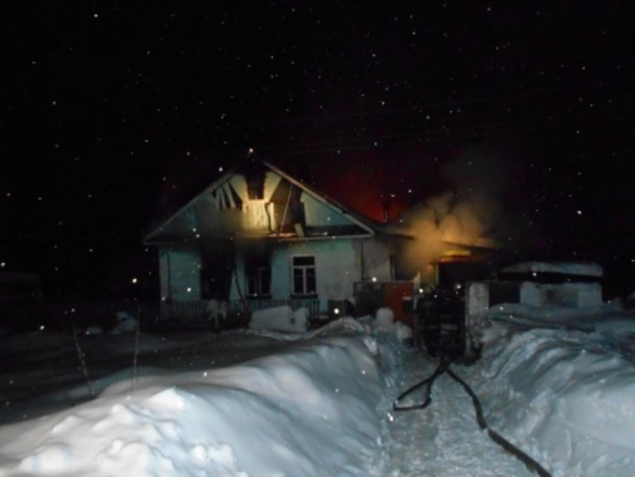 В Краснокамске из огня спасались двое взрослых и четверо детей - фото 1