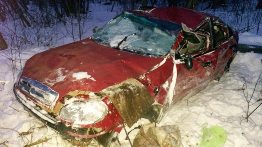 В Соликамском районе в перевернувшемся автомобиле погиб водитель