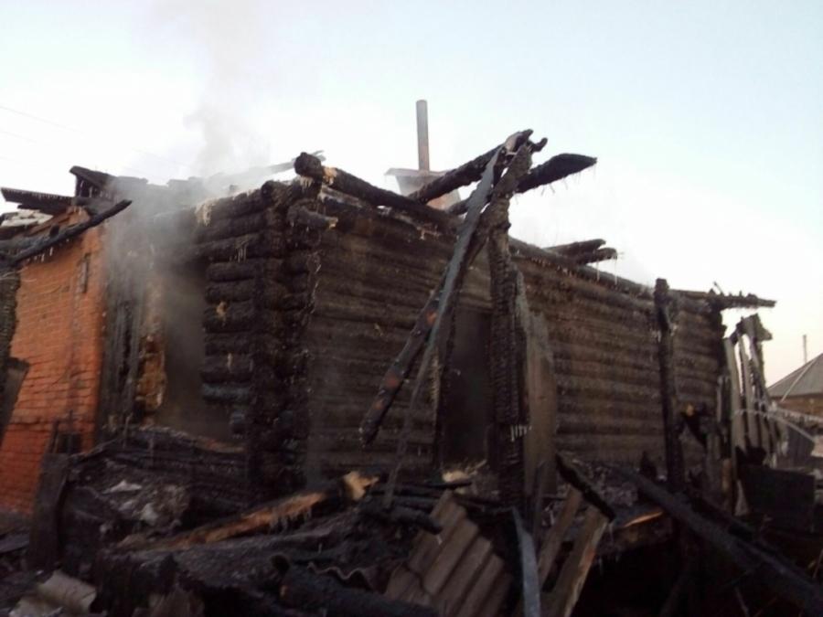 В Уинском районе в горящем доме погибли пять человек - фото 5
