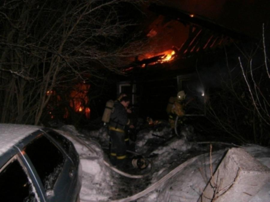 В Чернушинском районе в горящем доме погибли два человека