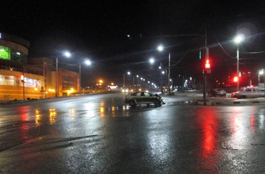 В столкновении двух Фордов в Березниках пострадали три человека