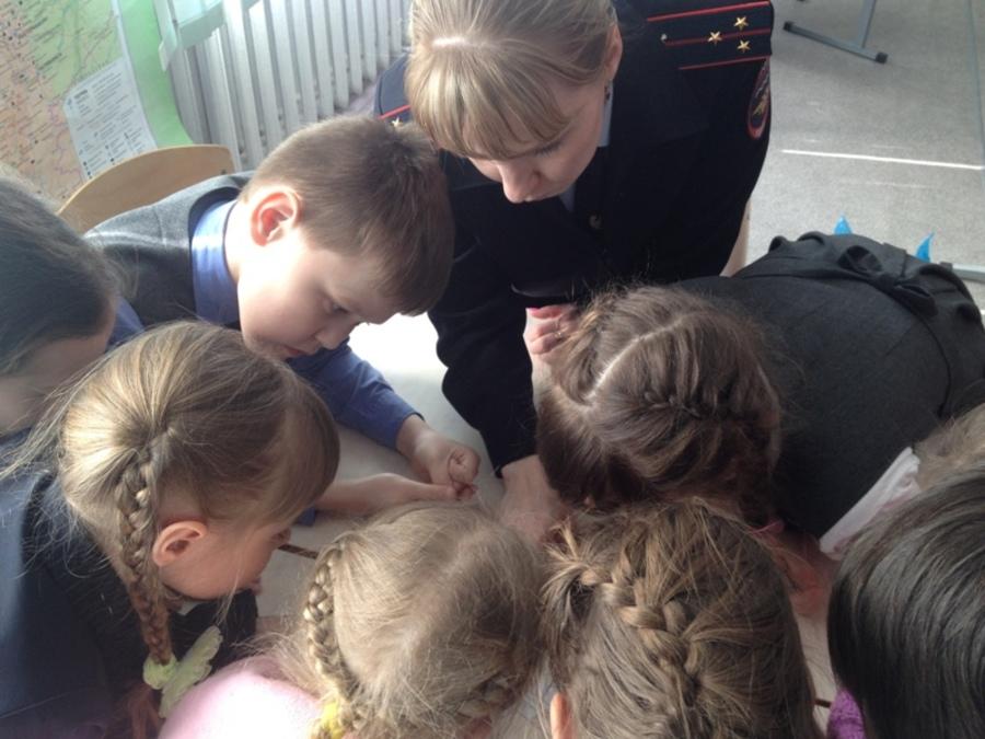 В Чайковском полицейские провели викторину по ПДД для детей