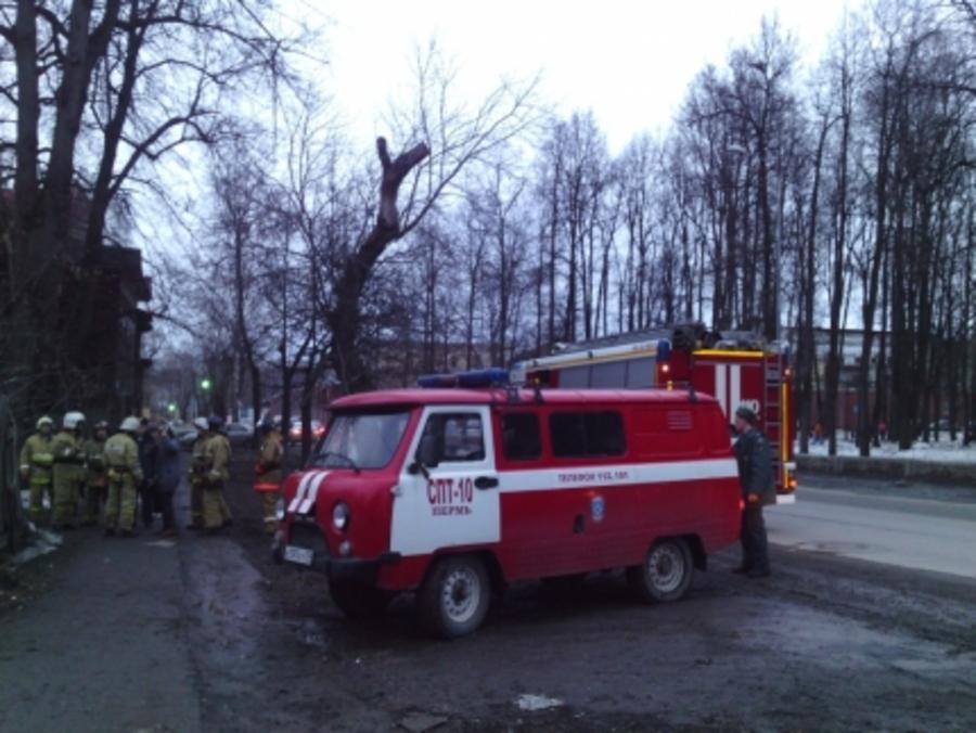 В Перми обрушилась стена еще одного дома - фото 1