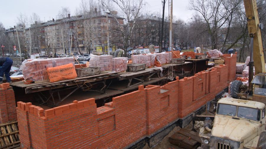 В Больничном городке продолжается строительство храмового комплекса - фото 1