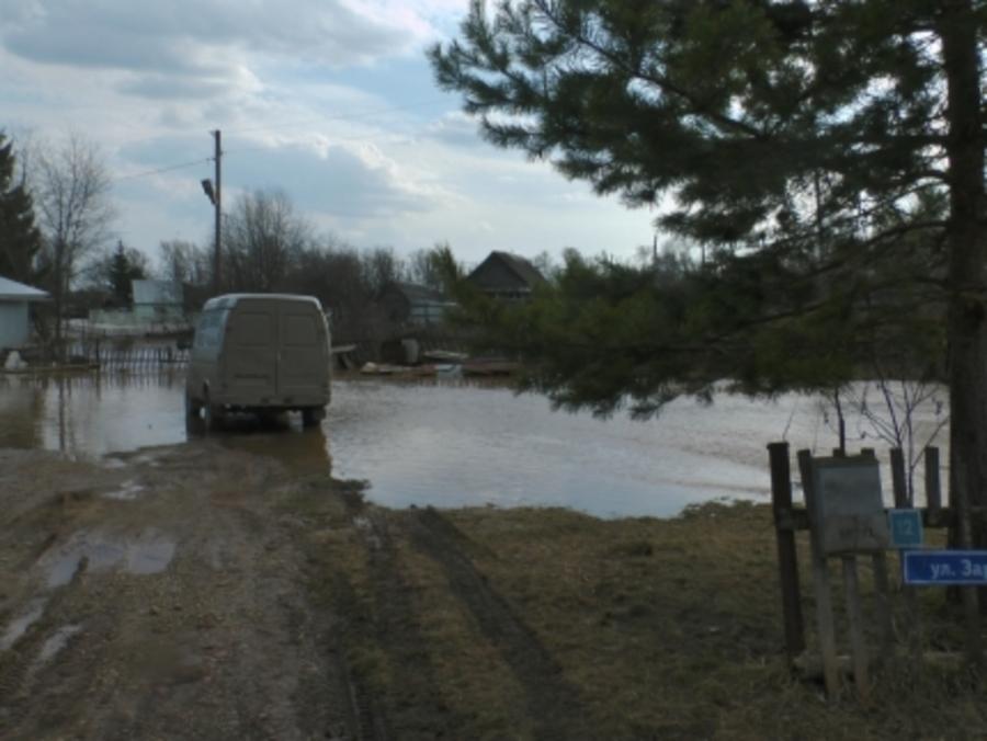 В Кукуштане жители подтопленных домов отказались от переезда на сухое место - фото 1